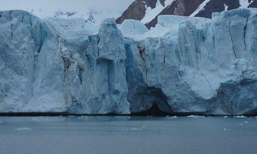 Zdjecie NORWEGIA / Spitsbergen / Hornsund, lodowiec Hansbreen / Mieć czoło