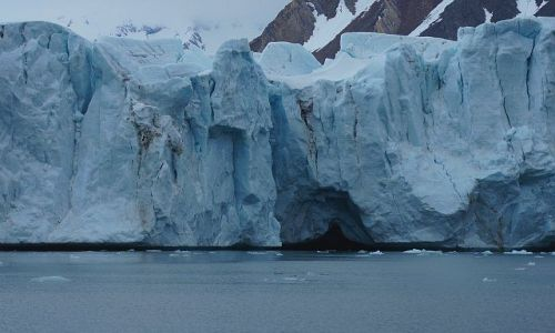 NORWEGIA / Spitsbergen / Hornsund, lodowiec Hansbreen / Mieć czoło