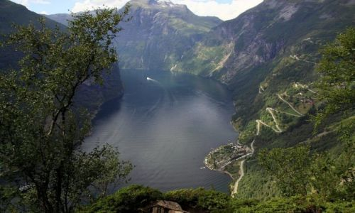 Zdjęcie NORWEGIA / Hordaland / Geiranger / GEIRANGER