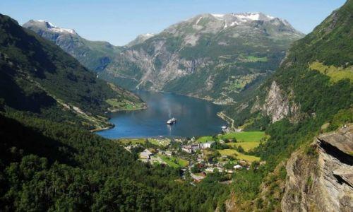Zdjecie NORWEGIA / 200 km na północny wschód od Bergen / Gejrangerfjord / Gejrangerfjord