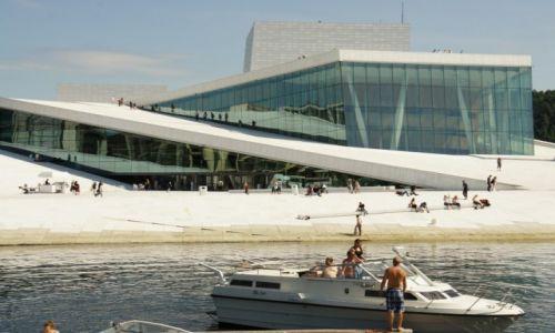 Zdjecie NORWEGIA / Oslo / Oslo / Randka na dachu opery w Oslo