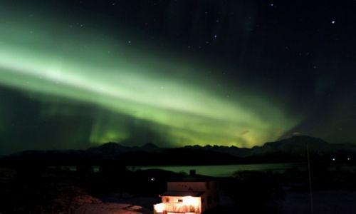 NORWEGIA / Troms / Sommarøy / Zorza Polarna