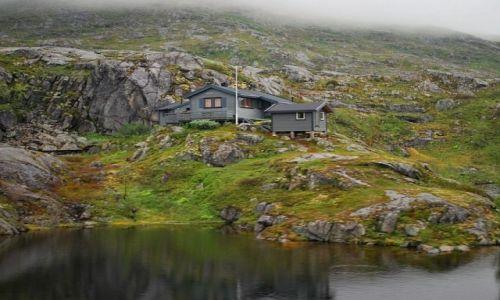 Zdjecie NORWEGIA / Troms / Troms / wooden house