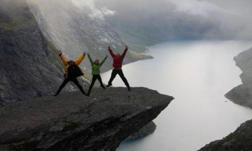 Zdjęcie NORWEGIA / płaskowyż Hardangervidda / Trolltunga / Potrójna radość!