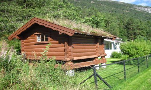 Zdjecie NORWEGIA / Telemark / Seljord / Norwegia 2013 - Seljord - budynek w stylu norweskim