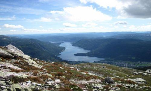 NORWEGIA / Telemark / Seljord / Norwegia 2013 - Seljord - widok z góry Skorve na jezioro
