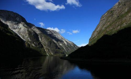 Zdjecie NORWEGIA / Z Flåm do Gudvangen / Nærøyfjord / Woda, góry i wodospady