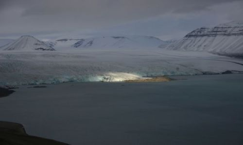 NORWEGIA / Svalbard / Lodowiec Norden Szeld / Reflektory na Norden