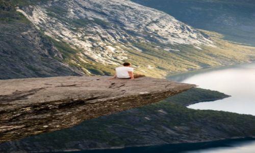 Zdjęcie NORWEGIA / Odda / Trolltunga / ...