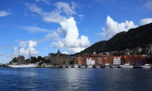 NORWEGIA / Bergen / Bryggen / Norweska brama do fiordów