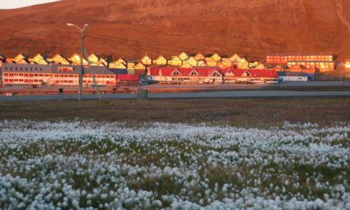 Zdjecie NORWEGIA / Svalbard / Longyearbyen / Niecodzienny zachod 1