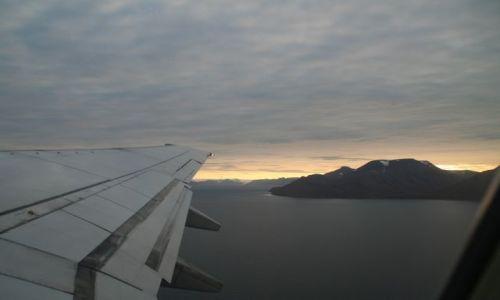 NORWEGIA / Svalbard / Z samolotu / Niecodzienny wschod s�o�ca