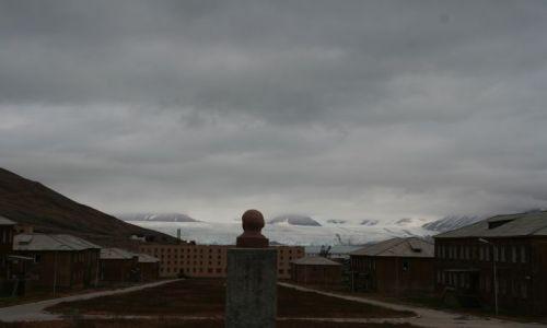 Zdjęcie NORWEGIA / Svalbard / Piramida / Lenin Wiecznie Zywy