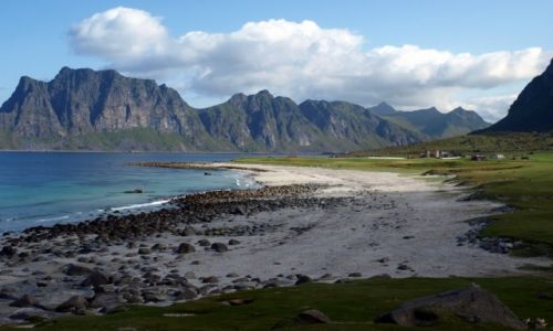 Zdjecie NORWEGIA / północna Norwegia / Lofoty / w górach i nad morzem
