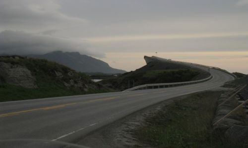 NORWEGIA / Atlantic Road / Norwegia / Norwegia-motocyklem