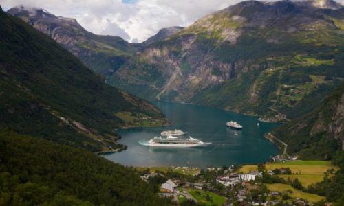 Zdjęcie NORWEGIA / okolice Alesund / Geirangerfjord / Norweska klasyka