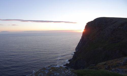 Zdjecie NORWEGIA / Alesund / wyspa Runde / Zachód słońca na Runde