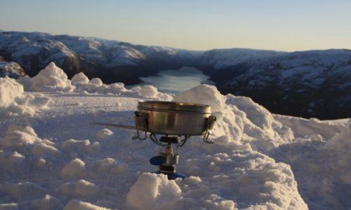 Zdjecie NORWEGIA / Rogaland / Preikenstolen / Podniebny posiłek