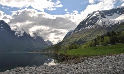 NORWEGIA / Sogn og Fjordane / Stryn / wiosna...