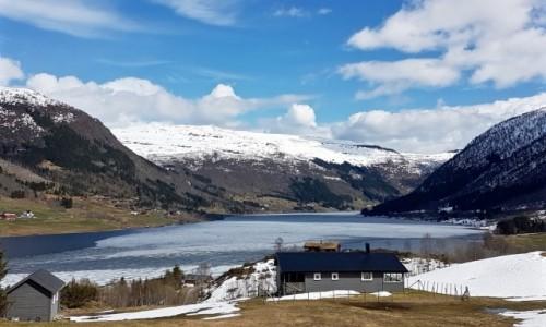 Zdjecie NORWEGIA / Sogn og Fjordane / Fjærland / wiosna...