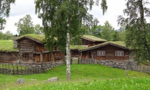 Zdjecie NORWEGIA / Nie pamiętam już gdzie / Domki nad jeziorem / Urodzie tej architektury trudno się oprzeć