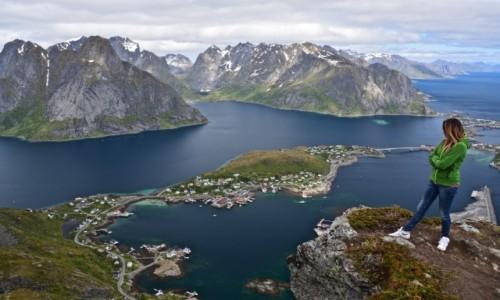 NORWEGIA / Nordland / Lofoty / Reine...