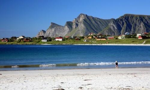 Zdjęcie NORWEGIA / Lofoty / Ramberg / Plaża w Ramberg