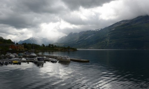 Zdjecie NORWEGIA / Fiord Hardanger  / Norwegia / Prześwit