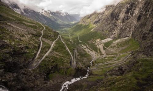 Zdjecie NORWEGIA / płn. Norwegia / Drabina trolli / Trollstigen