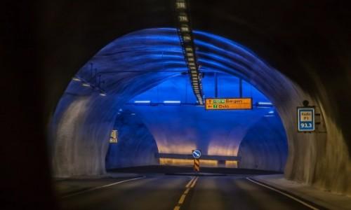 NORWEGIA / p�n. Norwegia / tunele na 520 / Rondko...