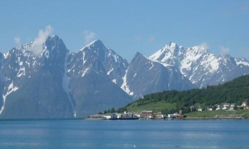 NORWEGIA / Norwegia  / Norwegia / Śnieżne Kolosy w błękicie
