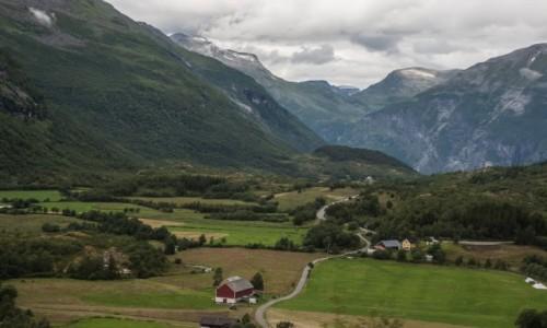 Zdjecie NORWEGIA / p�n. Norwegia / ok. Folven / Droga 258