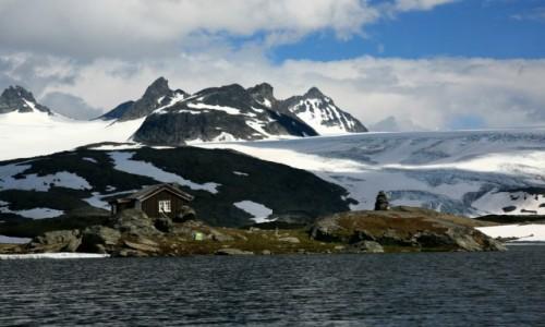 Zdjecie NORWEGIA / Sogn og Fjordane / Jotunheimen / Chatka przy lod