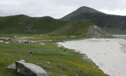 NORWEGIA / Lofoty / Uttakleiv / Uttakleiv - pole namiotowe