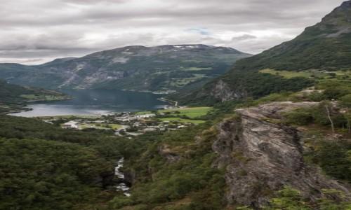 Zdjęcie NORWEGIA / płn. Norwegia / płn. Norwegia / Geirangerfjord z góry...