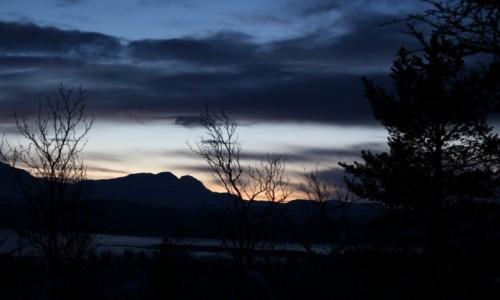 NORWEGIA / Troms / góra / Norwegia zimą