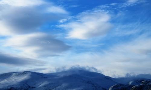 Zdjecie NORWEGIA / Tromso / na drodze / Norweskie szczyty