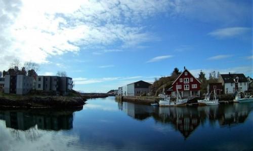 Zdjecie NORWEGIA / Lofoty / Kabelvågn / na brzegu