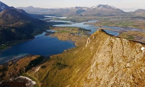 Zdjecie NORWEGIA / Lofoty / Vestvågøya / Offersøykammen