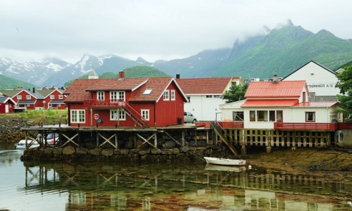 NORWEGIA / Lofoty / Svolvær / Svinøya Rorbue