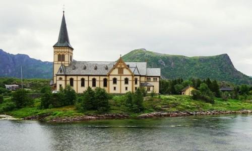 Zdjecie NORWEGIA / Lofoty / Kabelvåg / Lofotkatedralen - Katedra w Kabelvåg