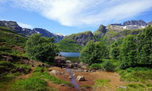 Zdjecie NORWEGIA / Lofoty / Sørvågen, Wyspa Moskenesoya / Jezioro Stuvdalsvatnet