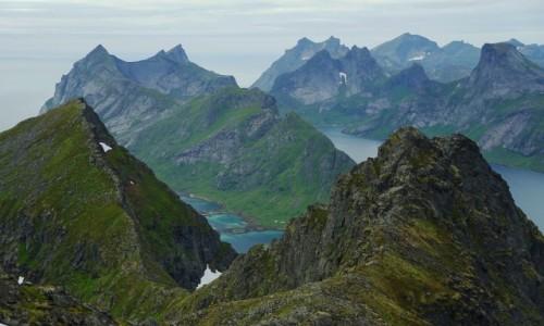 Zdjecie NORWEGIA / Lofoty / Gora Tindstind, Wyspa Moskenesoya / Ostre i poszarpane szczyty