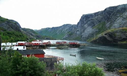 NORWEGIA / Lofoty / Nusfjord - Flakstadoya / Późnym wieczorem