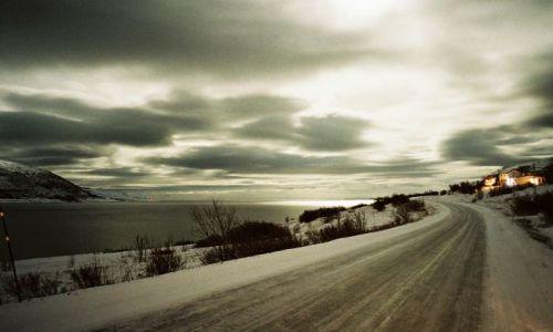Zdjecie NORWEGIA / FINNMARK / Południowy Porsangerfjorden / FIORD