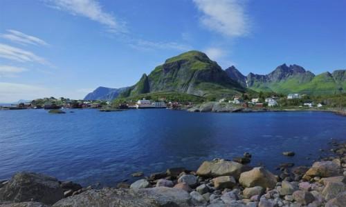 Zdjęcie NORWEGIA / Lofoty / Wyspa Moskenesoya, Tind / Å i góra Tindstind