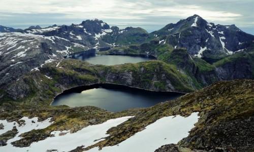 NORWEGIA / Lofoty / Wyspa Moskenesoya / Jeziorka Krokvatnet i Tennesvatnet
