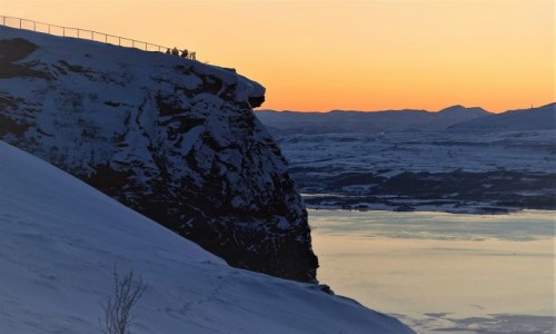 NORWEGIA / Troms / Storsteinen  / Podglądanie zachodu słońca