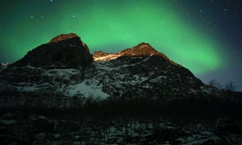 Zdjęcie NORWEGIA / Troms / Kvaløyvågen / Za górą