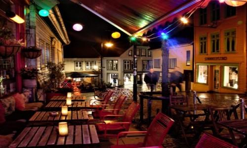 Zdjecie NORWEGIA / Zachodnia Norwegia / Stavanger / kolorowo w nocy